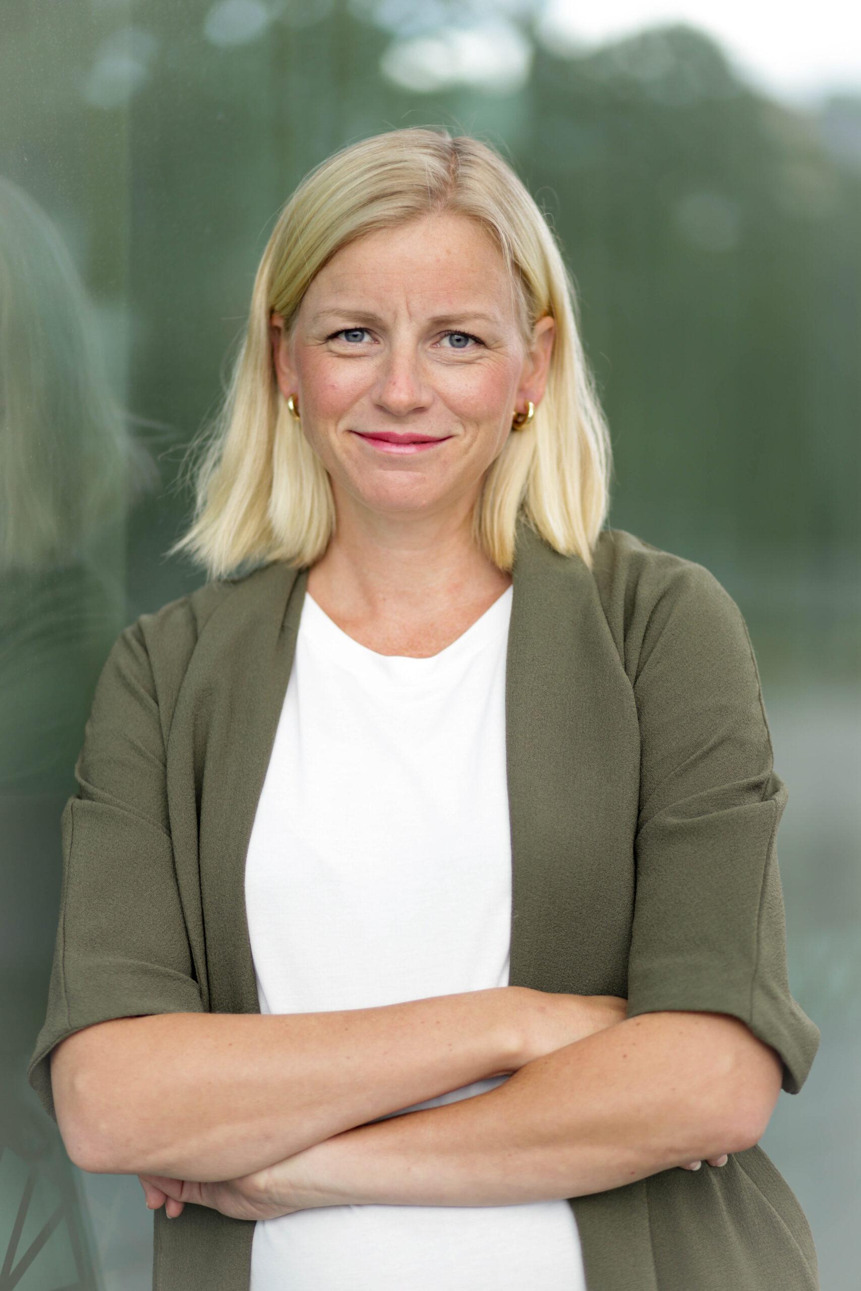 Stine Hjartland, Grundare
